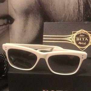 DITA RAMBLER 100% authentic wear DITA WHITE